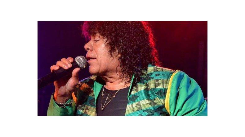 La Mona Jiménez contó que tiene problemas en las cuerdas vocales