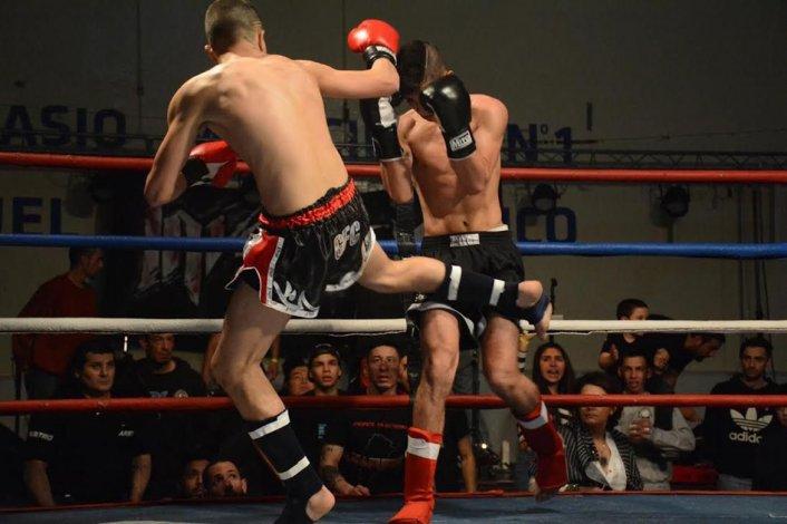 Un festival impactante del deporte de contacto se vivió la noche del sábado en el gimnasio municipal 1.