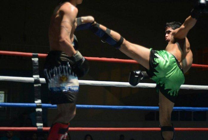Miguel el duro Poveda sale como local para su segunda defensa del título argentino en la categoría hasta 71 kg.