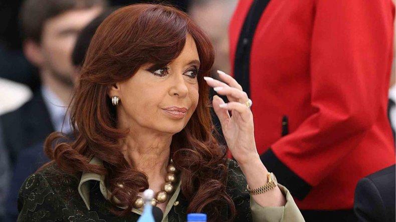 Citaron a Cristina a indagatoria y dispusieron la inhibición de sus bienes.