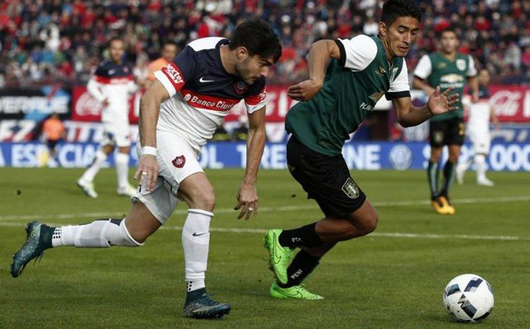 Ezequiel Cerutti se recupera de un fuerte golpe en el tobillo derecho.