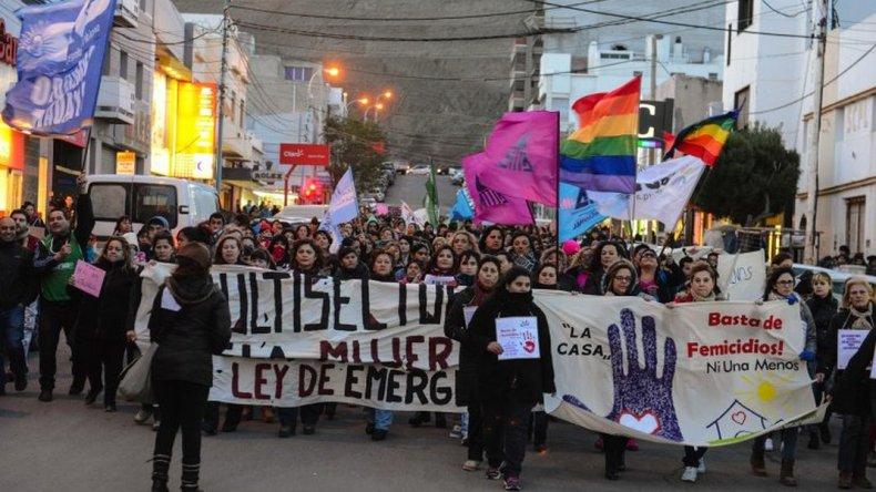 Comodoro marcha una vez más tras el cuarto femicidio del año