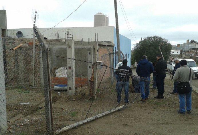 Levantan conexiones clandestinas en barrio Jorge Newbery