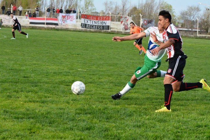 Jesús Molina jugó su último partido con la camiseta de Ameghino el domingo pasado