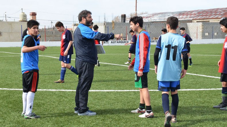 Fernando Mateeff fue el encargado de coordinar la llegada de Pedro Larraquy y Emiliano Gallo a la entidad azulgrana.