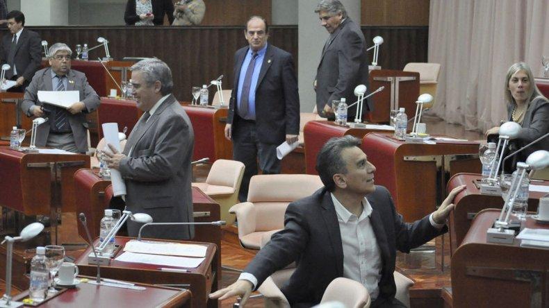 La Legislatura provincial se dispone a sancionar la ley de adhesión al blanqueo de capitales decidida por el gobierno de Macri.