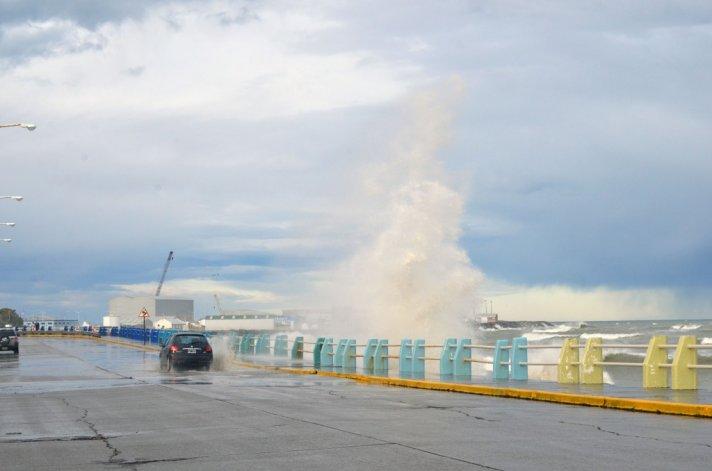 Piden precaución al transitar por Ducós debido a la marejada