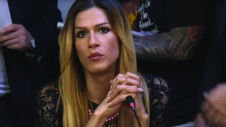 Jessica Millamán continuaba demorada anoche en el Aeroparque de Buenos Aires.