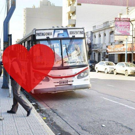 Fernando se enamoró en la 2 y busca a la morocha que le rompió el corazón