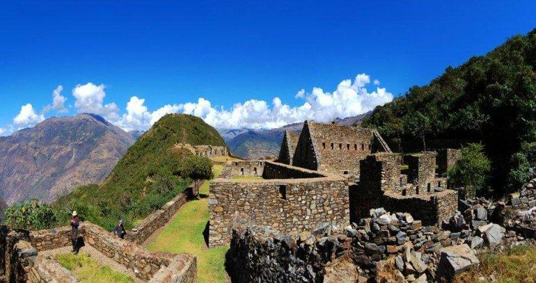 la caminata requiere buen estado físico ya que la ciudad escondida alcanza los 3.035 metros sobre el nivel del mar.
