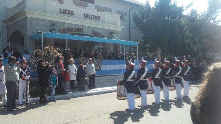 Con la presencia de autoridades invitadas ayer se realizó el acto de celebración de los 50 años del Liceo Militar.