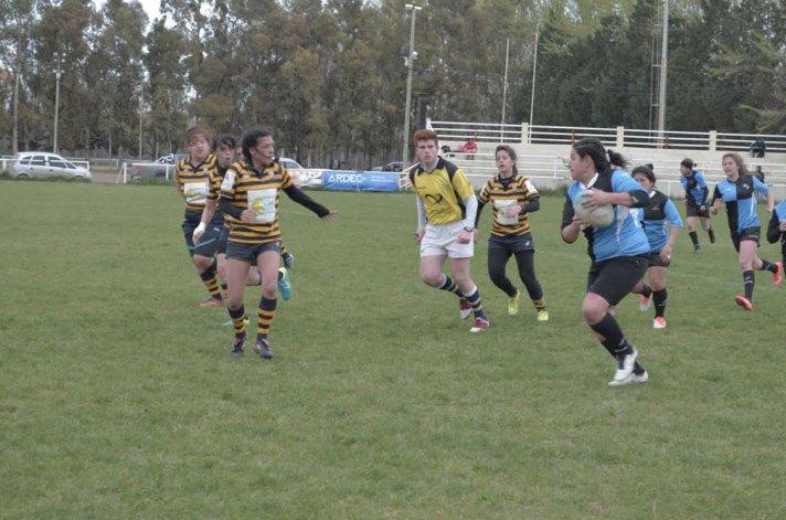 Calafate arrasó ayer con sus tres rivales y se clasificó para jugar una de las semifinales del torneo Patagónico Femenino.