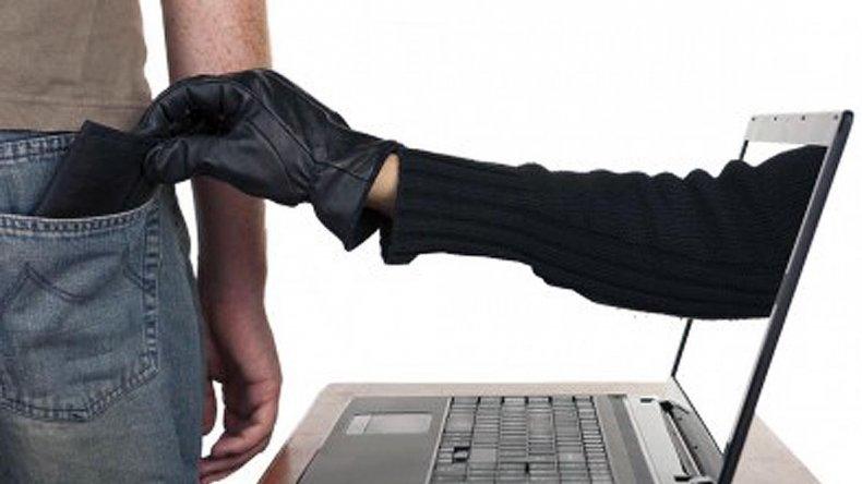 La estafaron por 96 mil pesos tras pedir préstamo por internet