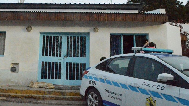 El deceso del joven se produjo en el interior de la Seccional Primera de Policía de Caleta Olivia.