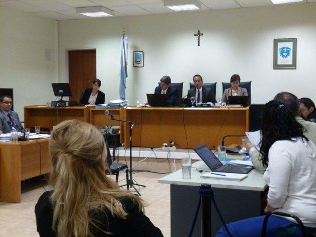 Ayer declararon las madres de Solís y González; un perito forense informático y el ex pediatra de Solís.