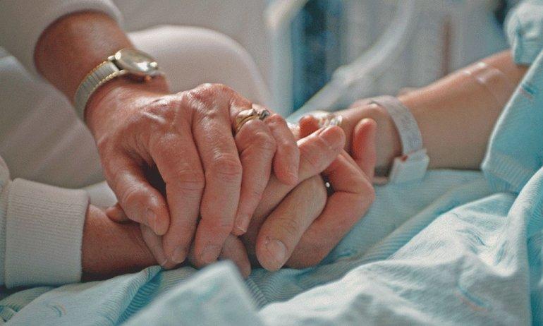 Muerte digna: un proyecto de ley busca ampliar los derechos de los pacientes