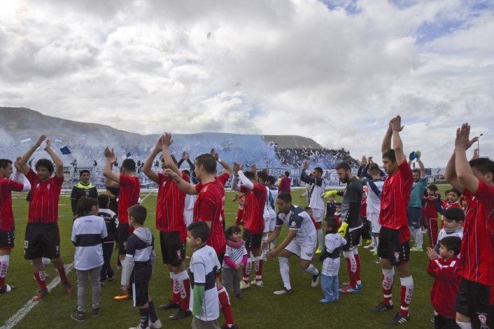 Huracán y Newbery se verán las caras en la Copa Consejo Federal 2017