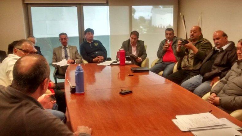 El vicegobernador Mariano Arcioni y legisladores de todos los bloques recibieron a los veteranos.