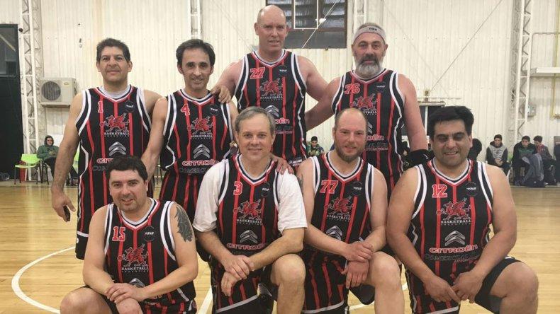 Dragones se quedó con el tercer puesto del Showtime Basket que este domingo define a su campeón.