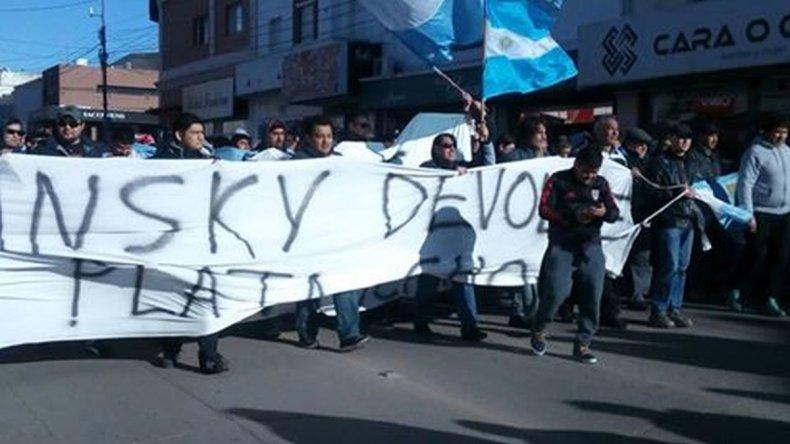 Trabajadores de Guilford se movilizan en calles céntricas. Foto: LU4