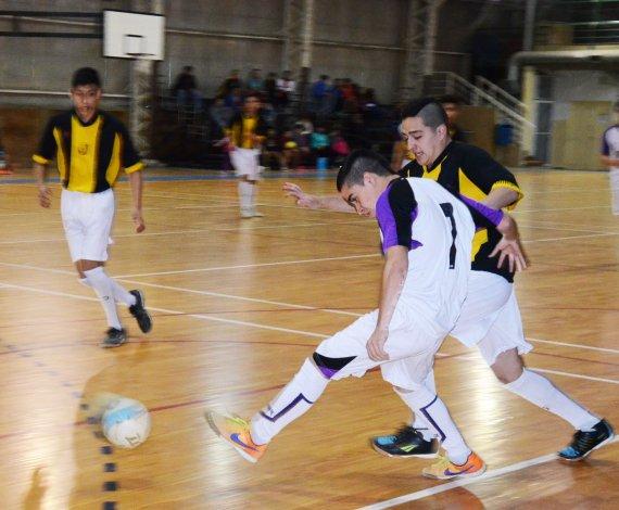 La Asociación Promocional abrirá esta tarde el fin de semana de fútbol de salón en Comodoro Rivadavia.