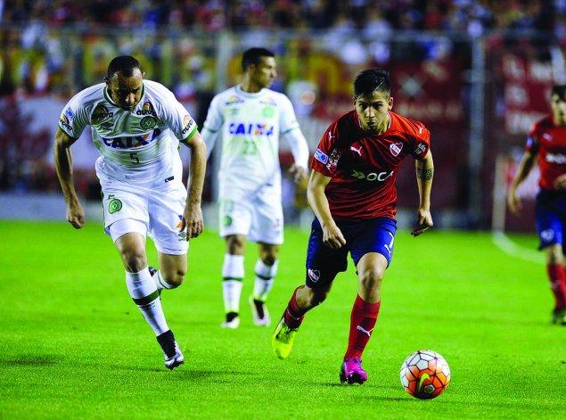 Martín Benítez será uno de los delanteros esta noche en el equipo de Independiente.