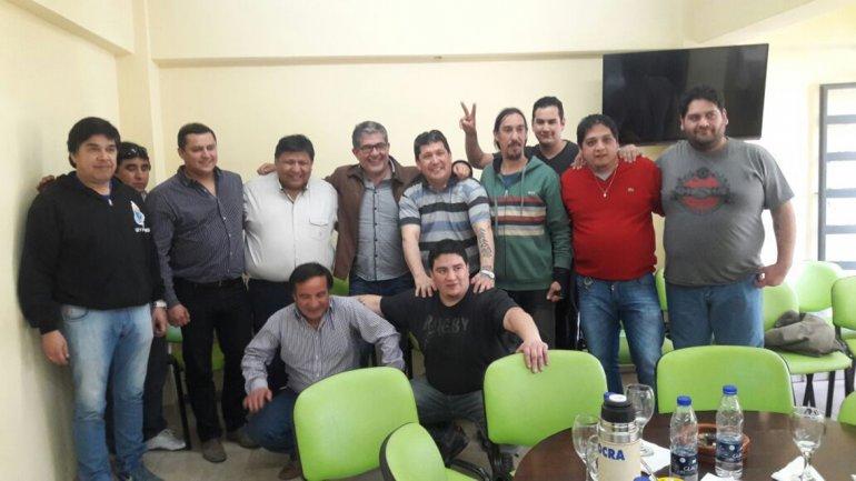 Dirigentes de diversos gremios coincidieron en que es mejor enfrentar el ajuste del gobierno de Macri unidos que en forma individual.