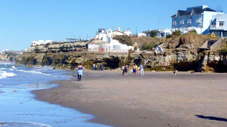 A los pies de la costa