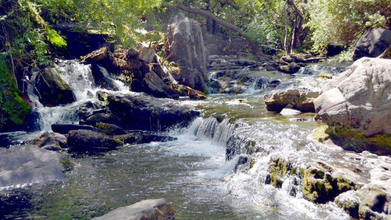 La cascada Mallín Ahogado que le da nombre al circuito turístico.