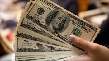desde que empezo la gestion de macri, se vendieron u$s 25.728 millones para ahorro y turismo