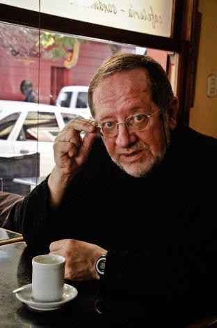 Elvio Gandolfo: todo parece espontáneo mientras escribís