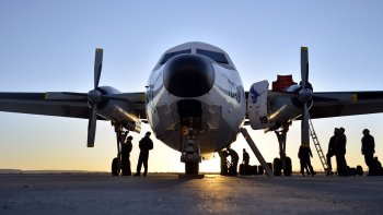 La IX Brigada Aérea de Comodoro Rivadavia fue una de las bases militares que recibió al Fokker F-27 en su vuelo de despedida.