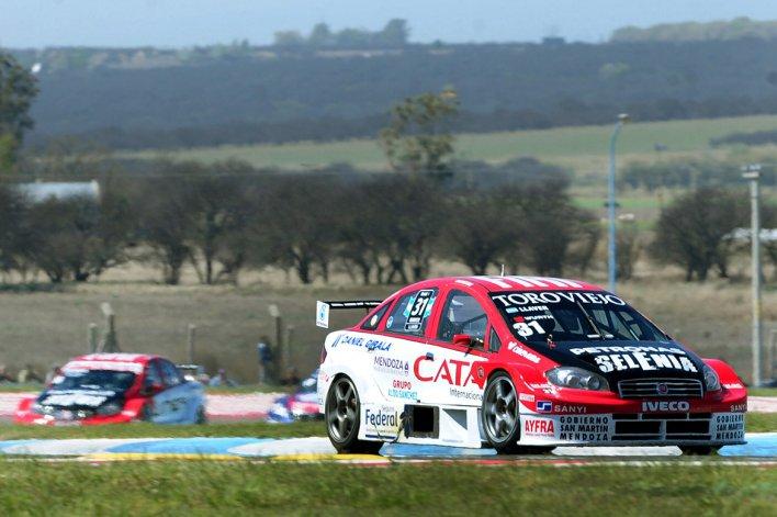 Bernardo Llaver se quedó con el triunfo en la novena fecha del Super TC2000 que se corrió ayer en el autódromo pampeano de Toay.