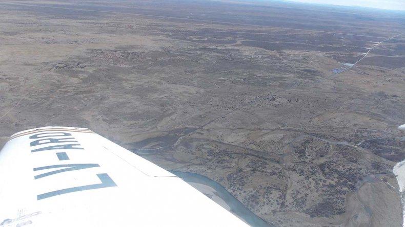 El vuelo que se realizó el sábado para evaluar la situación en la cuenca del río Senguer.