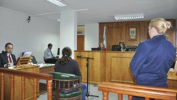 Alejandra Almonacid argumentó en su defensa que el muerto le quiso pegar.