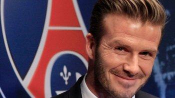 Gastó una fortuna para parecerse a Beckham: mirá el resultado