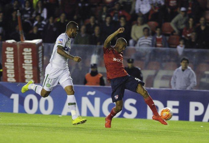 Diego Vera será uno de los atacantes esta noche en la delantera de Independiente.