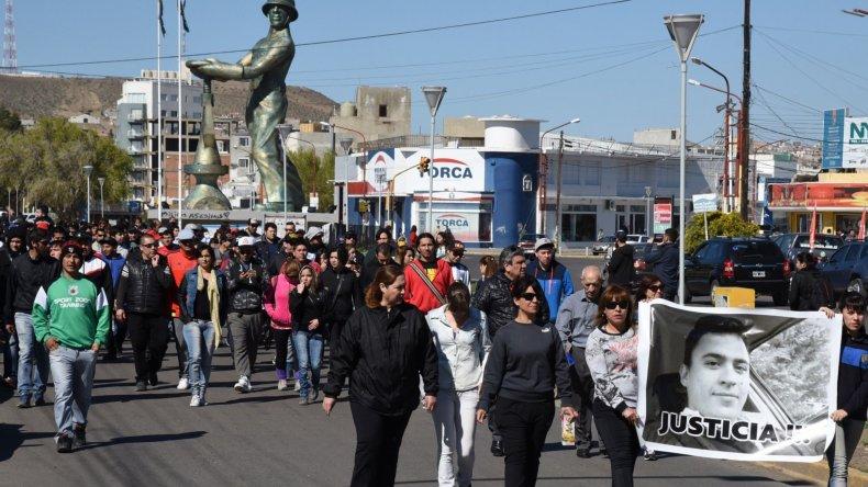 Caletenses volvieron a la calle a pedir justicia por Geréz