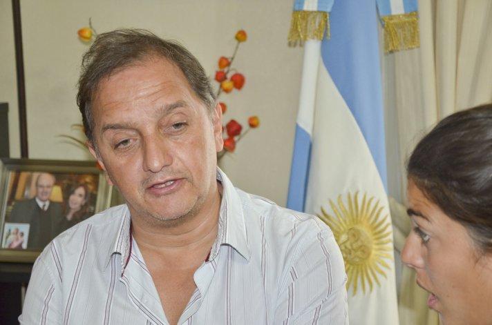 Linares no se mostró preocupado porque Macri no lo haya invitado a su promocionado encuentro con intendentes de todo el país.