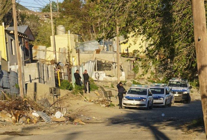 La Brigada de Investigaciones allanó ayer cuatro domicilios y secuestró cuatro armas de fuego.