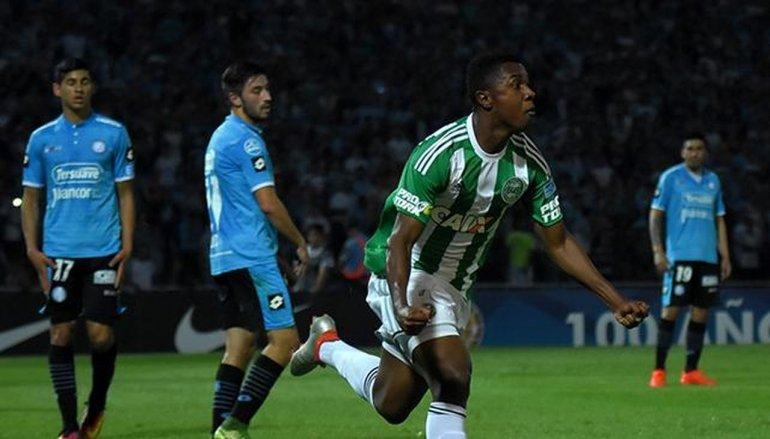 Coritiba acabó con el sueño de Belgrano desde los doce pasos