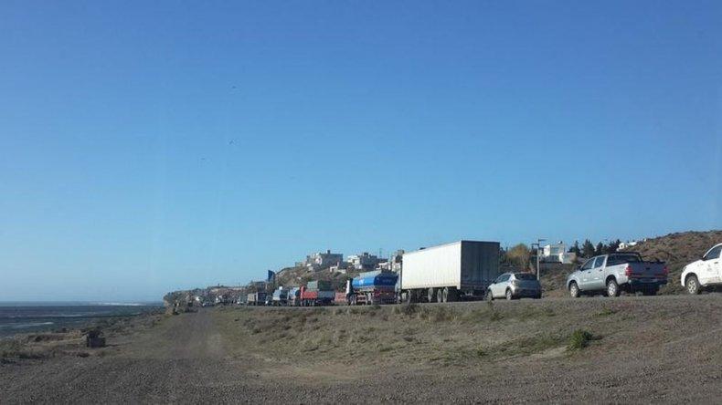 Municipales vuelven a cortar Ruta 3 hasta las 17: piden que les abonen el aguinaldo