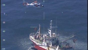 prefectura desplego un operativo aereo  para evacuar a un marinero