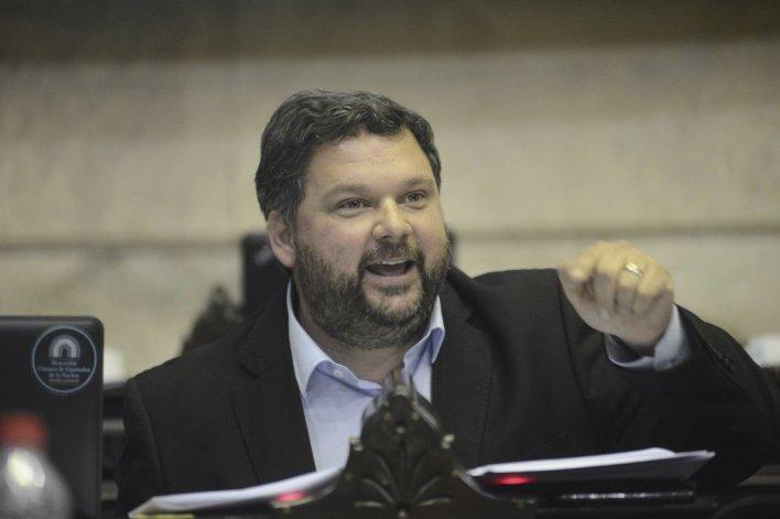 El diputado chubutense puso en duda las reales intenciones del gobierno de Macri a la hora de combatir el narcotráfico.