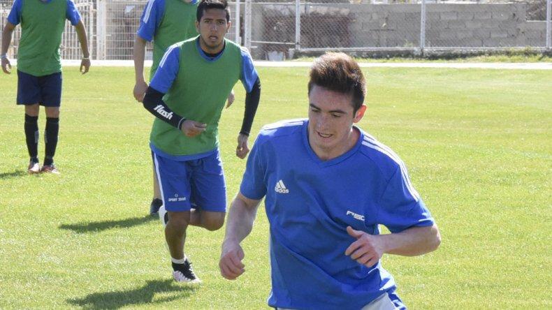 Germán Martínez volverá a la titularidad en el lateral derecho de la CAI