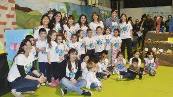 Los alumnos del nivel inicial del Colegio Patagónico del Sol realizaron una Feria de Ciencias donde explicaron la importancia de cuidar el medio ambiente.