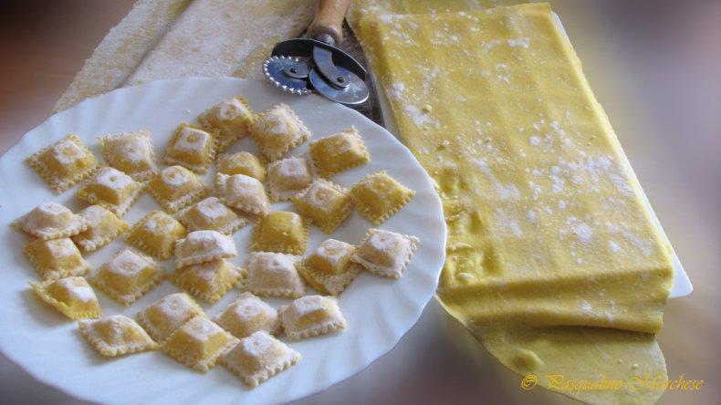 Robaron ravioles y más de 2.000 pesos en una rotisería