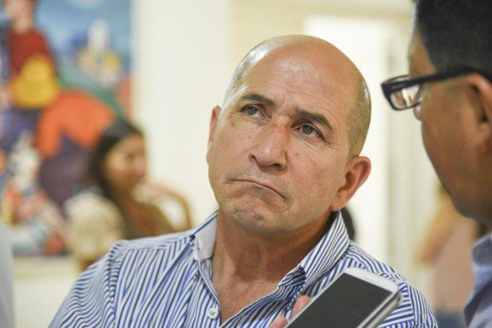 La contienda es entre José Llugdar (foto)