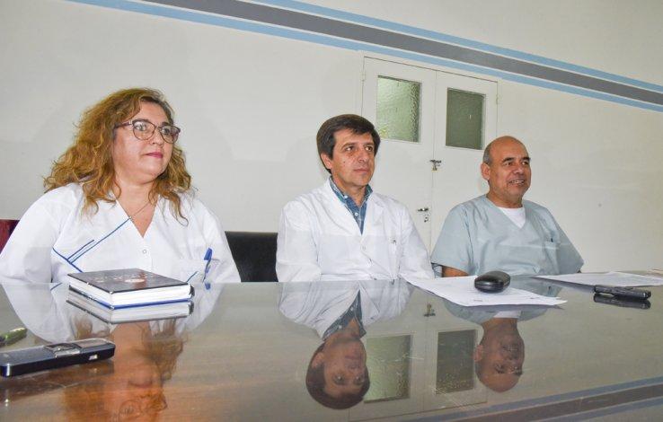 La dirección del Hospital Regional encabezada por Luis Cisneros y Raúl Henny explicó cómo se dará continuidad a la atención de guardia pediátrica durante octubre.