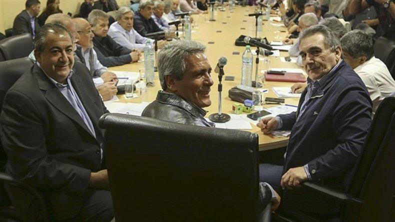 El consejo directivo de la CGT unificada no descarta medidas de fuerza.
